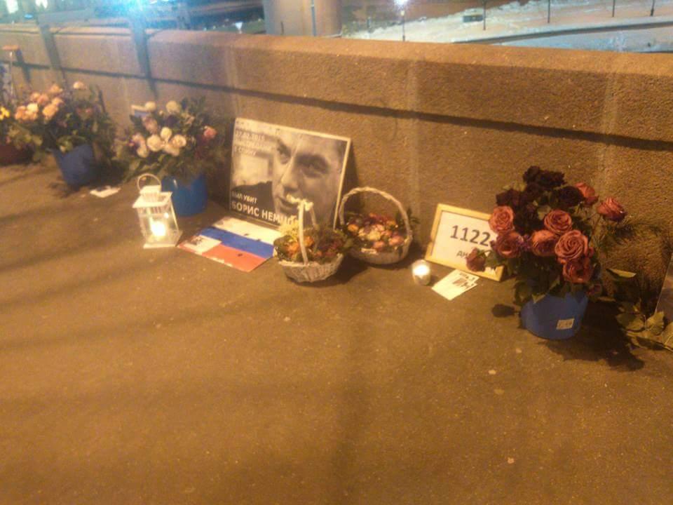 Немцов мост в ночь с 24 на 25 марта 2018 года